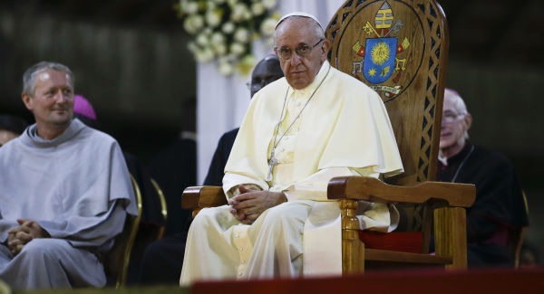 Pope Francis tries to provide hope for the community during easter weekend, coronavirus