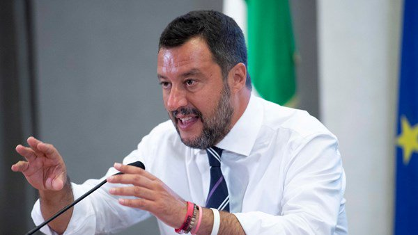 Interior Matteo Salvini pushes for new election