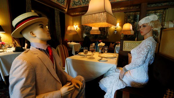Mannequins used in helping restaurants for social distancing