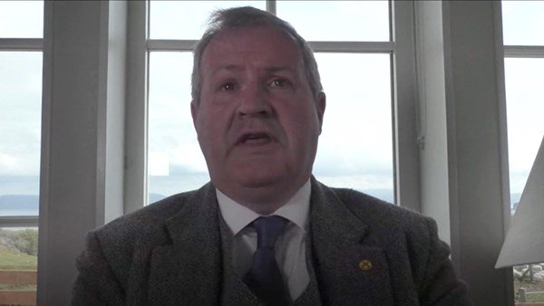 Ian Blackford from SNP calls for Dominic Cummings to face consequence